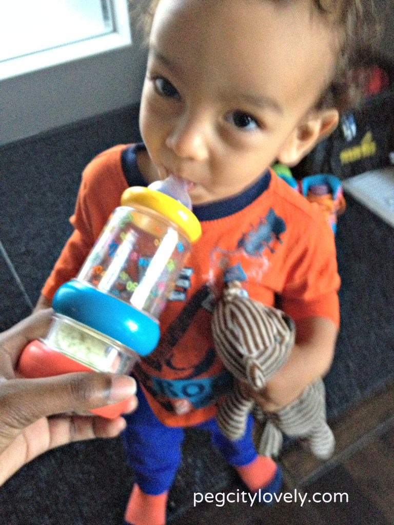 TakeNSHake toddler bottle