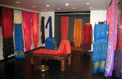 02.1 Bandhej dress shop full view