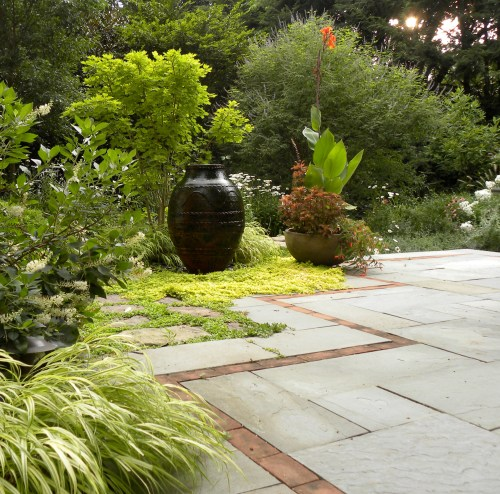 Sessum + Biles garden, photo courtesy of H. Paul Davis