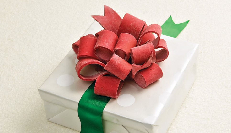 Gum Past Bow by Chefs Doug Krahn and Betty Lai of Chocolate Zen Bakery
