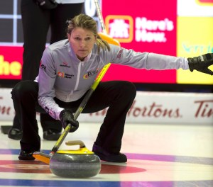 Team Middaugh takes major step to playoff berth at Home Hardware Road to the Roar (Curling Canada)