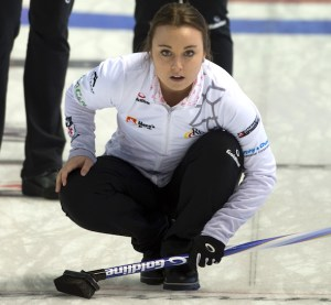Team Rocque stays alive with crucial win at Home Hardware Road to the Roar (Curling Canada)