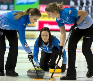 Tippin wraps up round-robin pool title, avoids tiebreakers at Home Hardware Road to the Roar (Curling Canada)