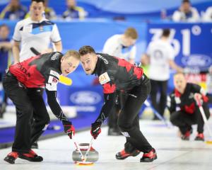 Canada's World Curling Win Streak Snapped in Vegas (Curling Canada)