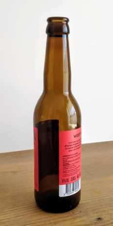 Modèle photo pour le dessin de la bouteille