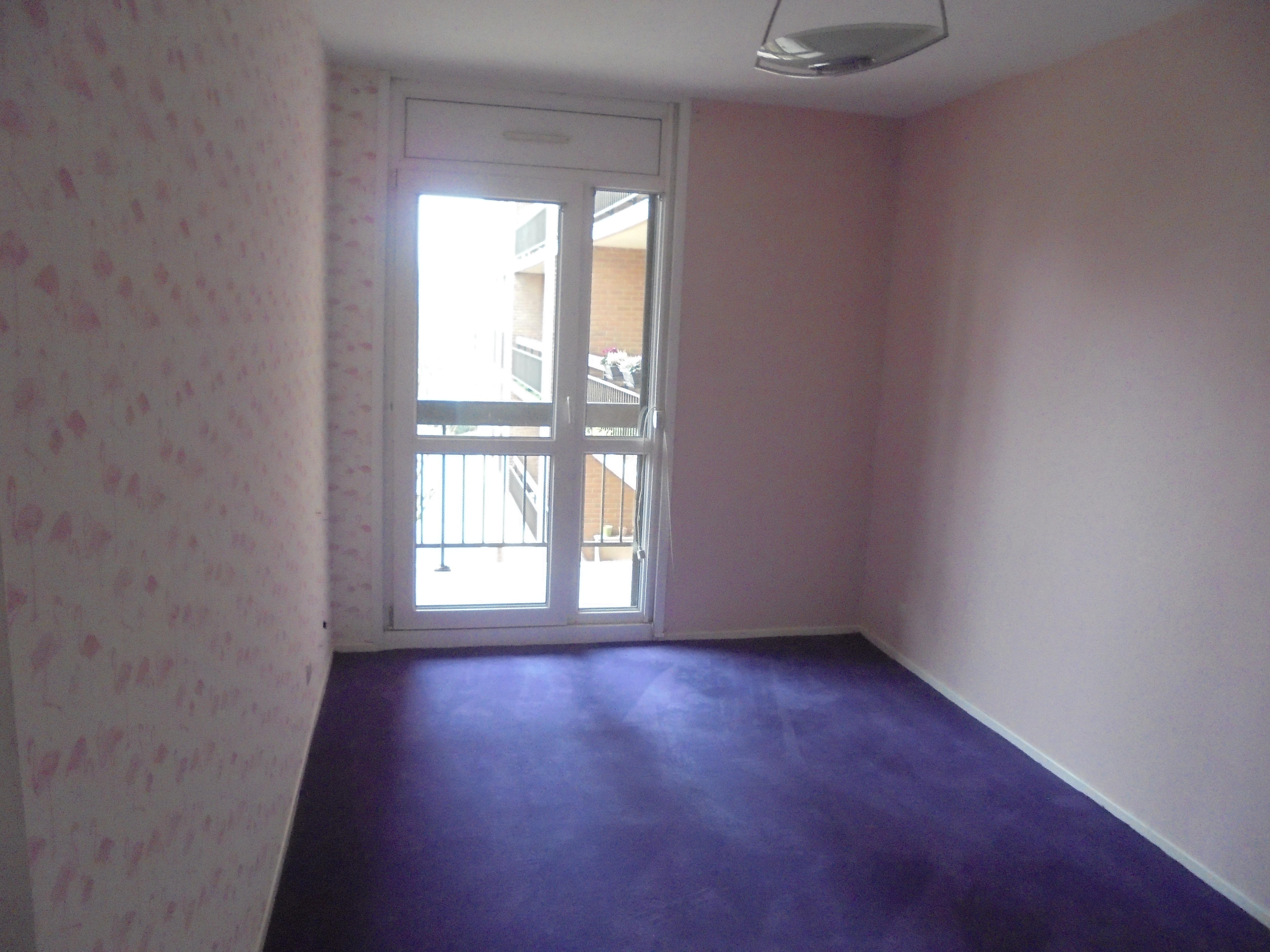 Rev tement de sol peinture d coration d 39 aujourd 39 hui for Revetement sol chambre
