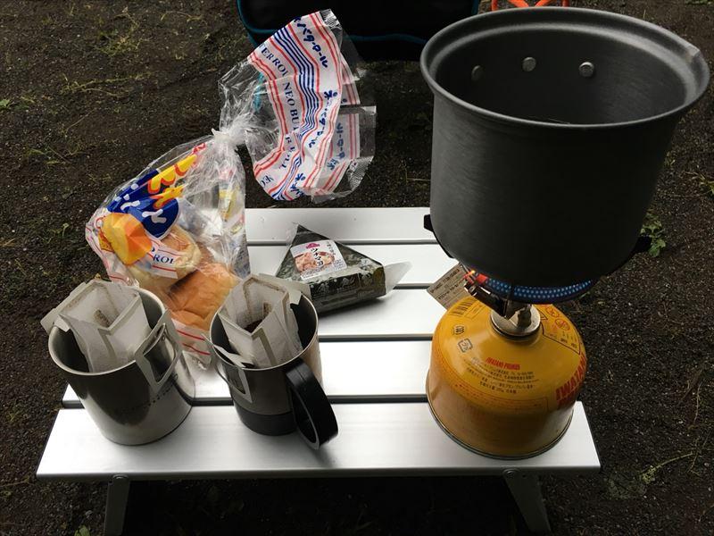 キャンプの日の朝食