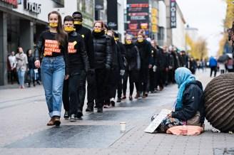 Ihmiskauppaa vastustava Walk For Freedom -tapahtuma Jyväskylässä 14.10.2017.