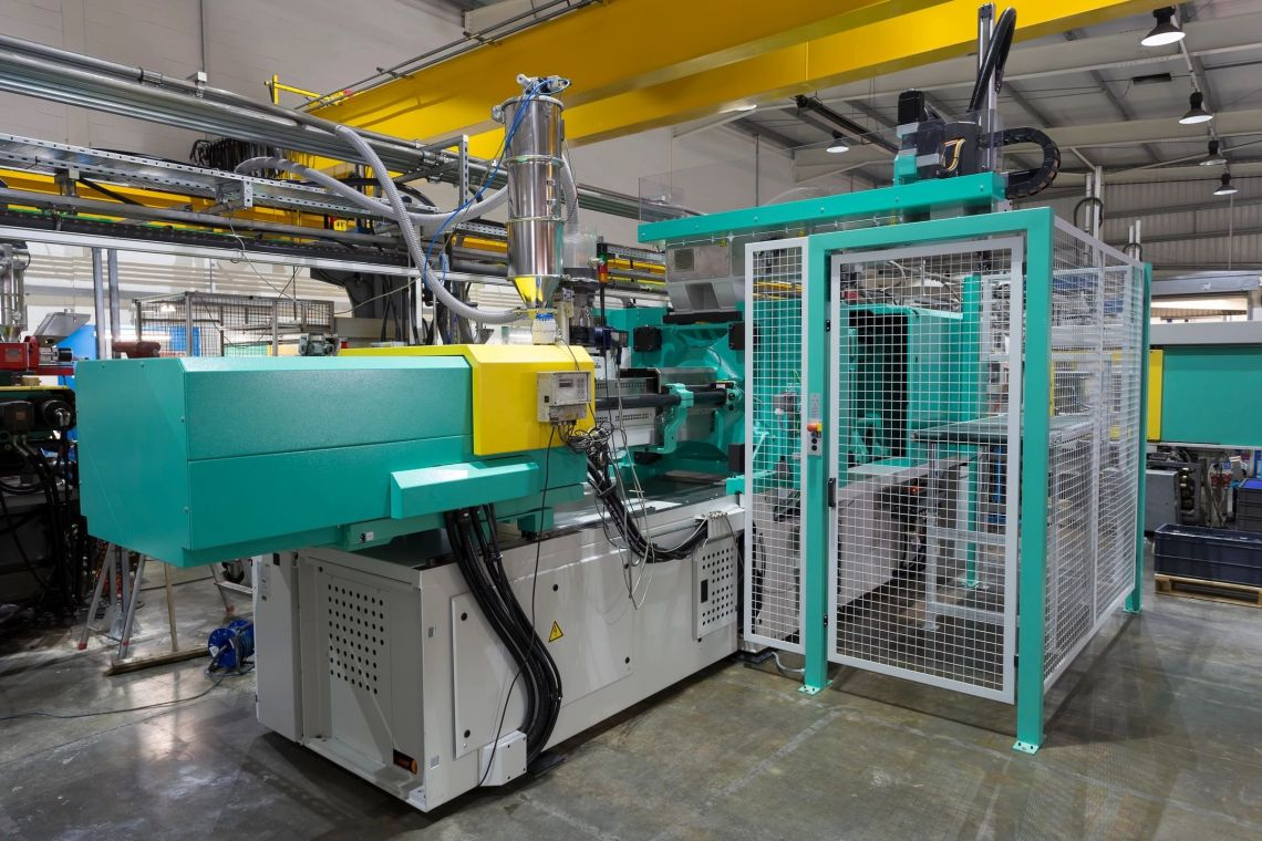Plastic Injection Molding machine with Pekutherm
