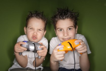 Kids_playing_video_games_xovk0y