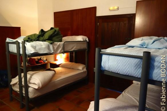 Il y a des chambres de 4, de 2, des dortoirs et une chambre individuelle. © Fabienne Bodan