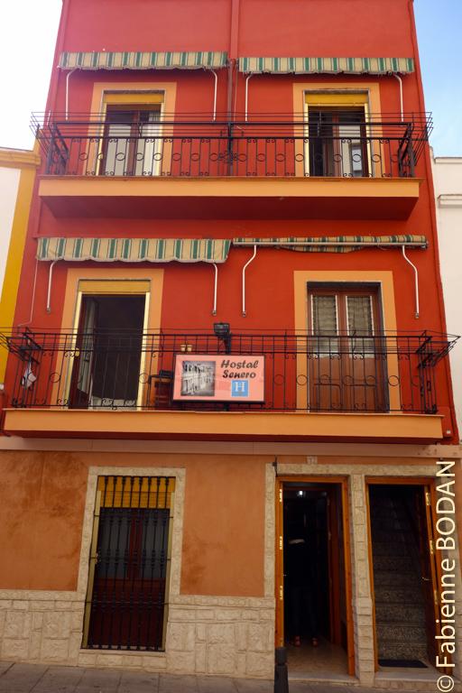 Petit hostal très bien situé à 5 minutes de la très centrale Plaza de España. © Fabienne Bodan