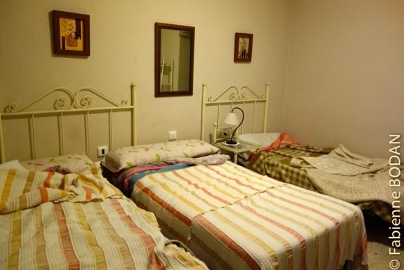 Les chambres sont peu spacieuses, mais propres et équipées d'une salle de bains. © Fabienne Bodan