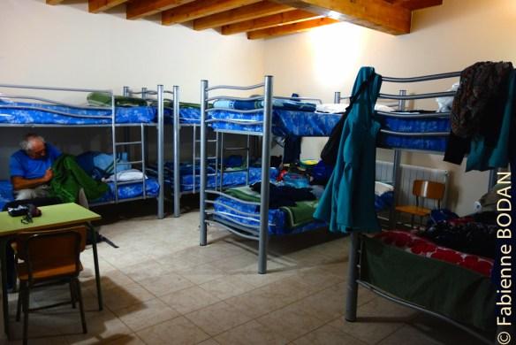 Le dortoir du bas, 8 lits en 4 literas. © Fabienne Bodan