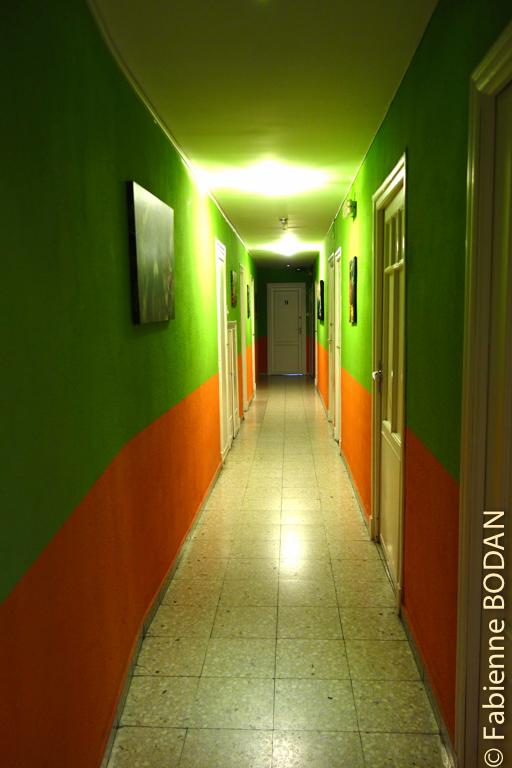Le couloir aux couleurs chatoyantes...© Fabienne Bodan