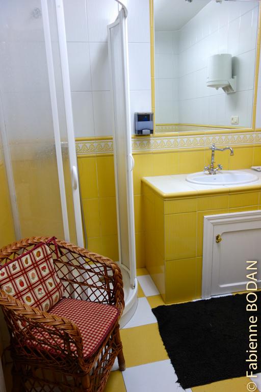 La salle de bains des femmes au rez-de-chaussée...© Fabienne Bodan