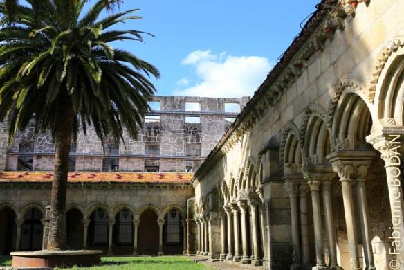 Le magnifique cloître qui jouxte le Convento San Francisco d'Ourense, transformé en auberge pour pèlerins. © Fabienne Bodan