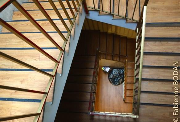 Les chambres sont réparties de part et d'autre de l'escalier en bois...© Fabienne Bodan