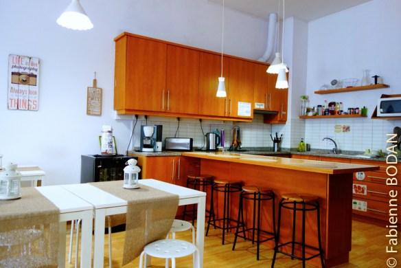 La cuisine en libre service dans la grande salle commune...© Fabienne Bodan