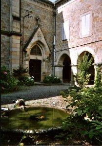 Le jardin intérieur du Carmel de Figeac © Site internet du Carmel