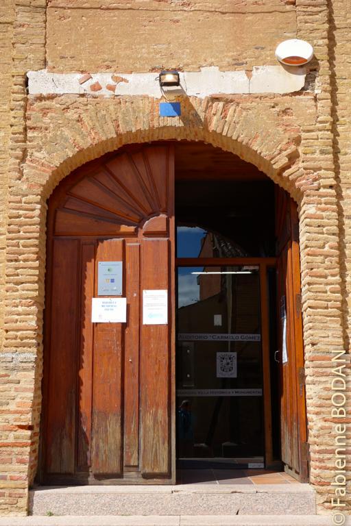 Entrée de l'albergue municipal de Sahagun © Fabienne Bodan