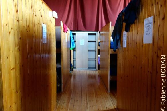 Et le dortoir dans une grande pièce unique © Fabienne Bodan