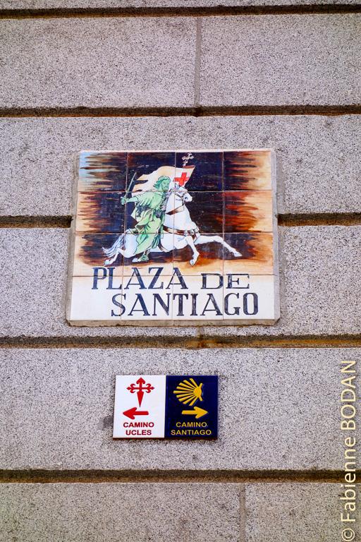 La place de Santiago, point de départ du Camino de Madrid vers Compostelle et du Camino d'Uclès, vers le monastère du même nom © Fabienne Bodan