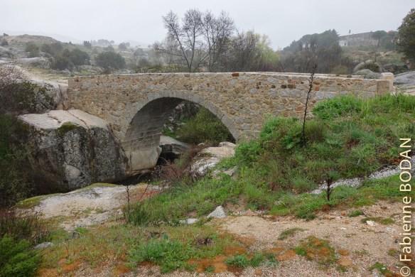 Pont médiéval entre Colmenar Viejo et Manzanares El Real. © Fabienne Bodan