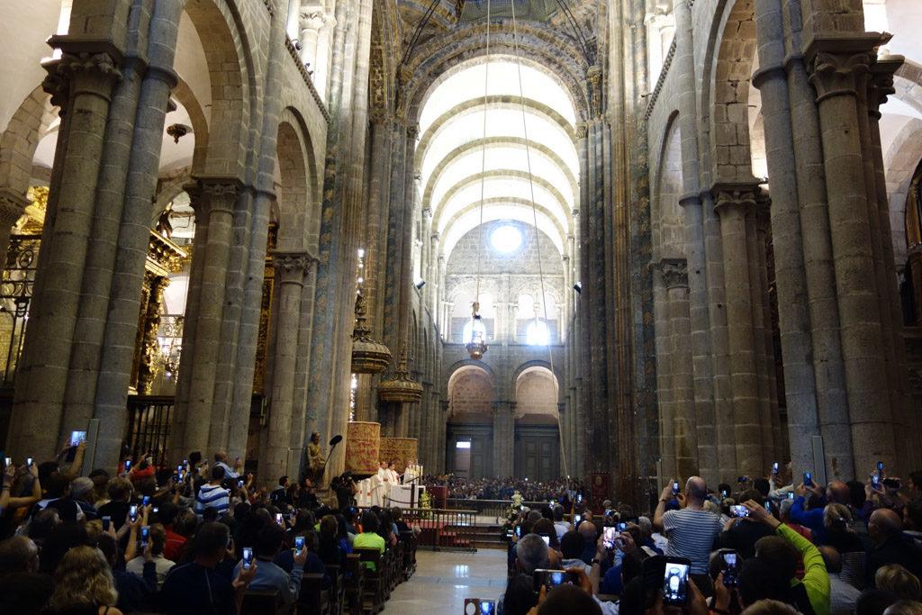 Le botafumeiro dans la cathédrale de Saint-Jacques-de-Compostelle