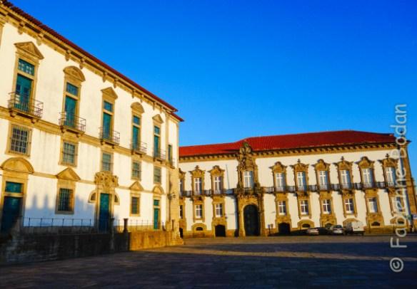 Cathédrale de Porto, près de l'office du tourisme (ou vice-versa). © Fabienne Bodan