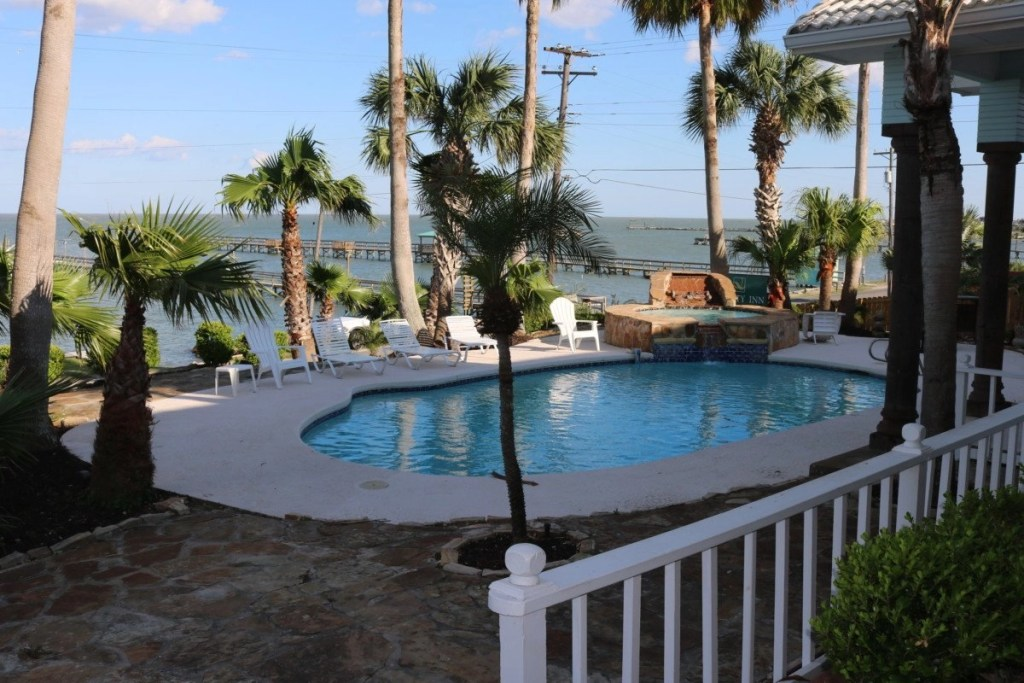 Swimming Pool At The Pelican Bay Luxury Villa For Rent