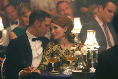 Reggie Kray (TOM HARDY) and Frances Shea (EMILY BROWNING) in ?Legend?. From Academy Award? winner Brian Helgeland (L.A. Confidential, Mystic River) and Working Title comes the true story of the rise and fall of London?s most notorious gangsters, Reggie and Ronnie Kray, both portrayed by Hardy in a powerhouse double performance.