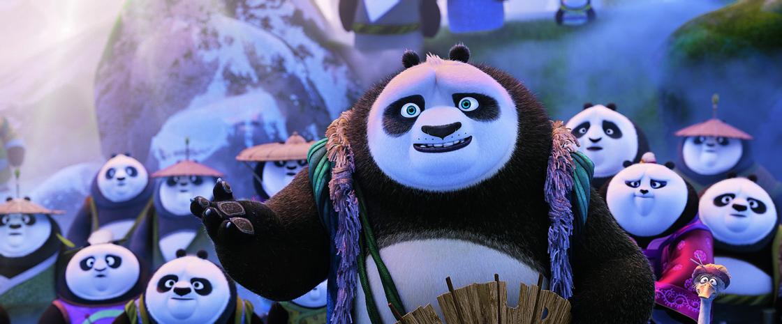 panda village with Li Chan, Po's father in KUNG FU PANDA 3