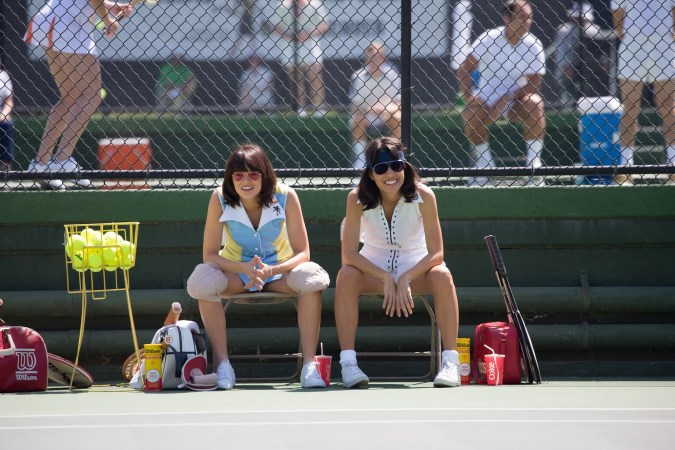 Emma Stone and Natalie Morales in the film BATTLE OF THE SEXES. Photo by Melinda Sue Gordon.© 2017 Twentieth Century Fox Film Corporation All Rights Reserved