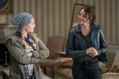 Little Rock (Abigail Breslin) and Wichita (Emma Stone) in Columbia Pictures' ZOMBIELAND: DOUBLE TAP