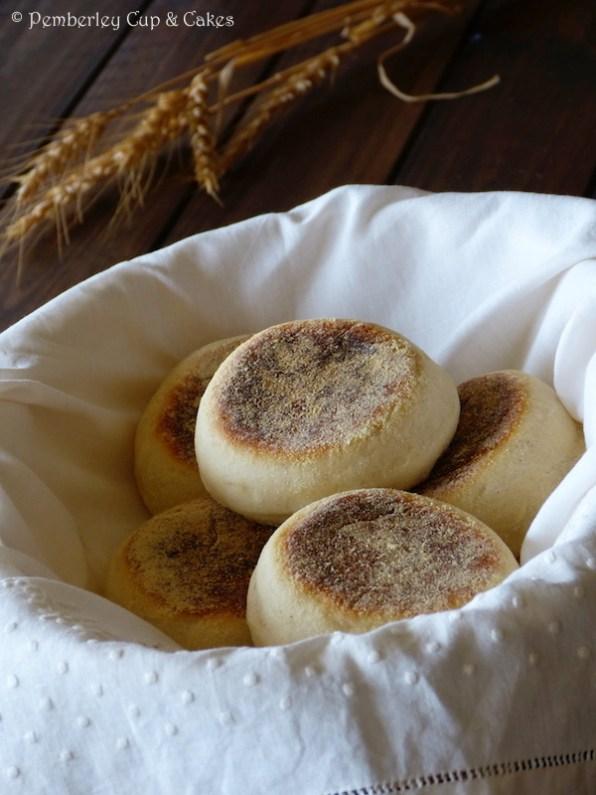 English Muffins {vs American Muffins}