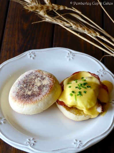 English Muffins Egg Benedict
