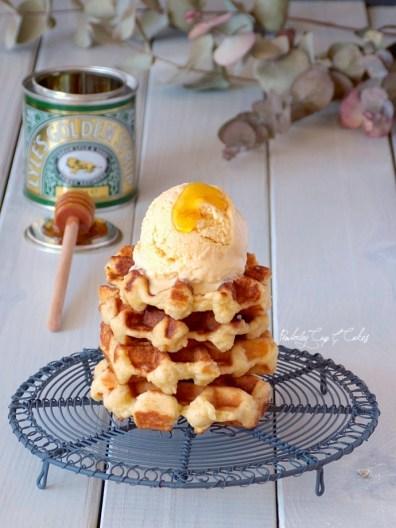 Waffles & Golden Syrup Ice Cream {Gofres con Helado de Golden Syrup}