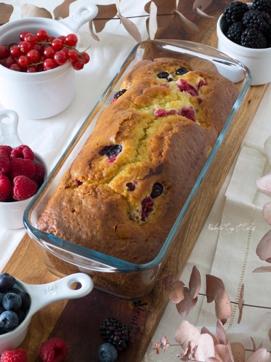 Very berry Loaf Bread (Bizcocho de frutos del bosque)