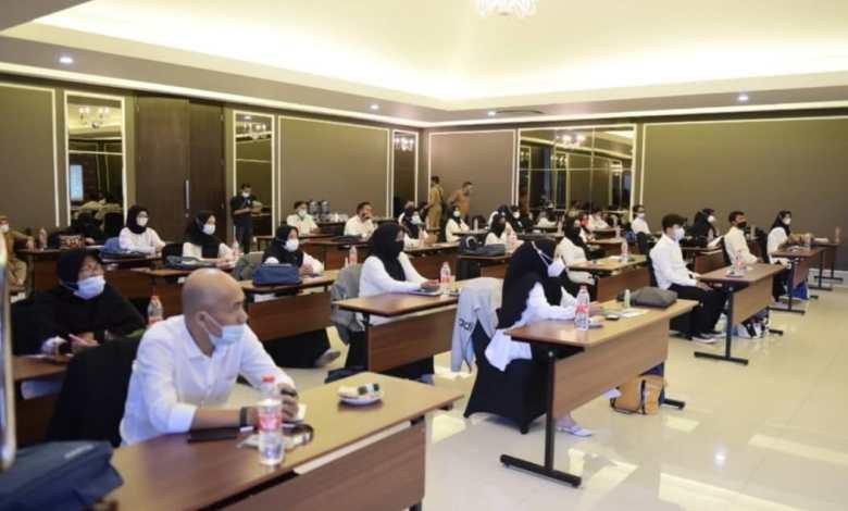 Pelaku Wirausaha Kota Sukabumi Mendapat Pelatihan E-commerce