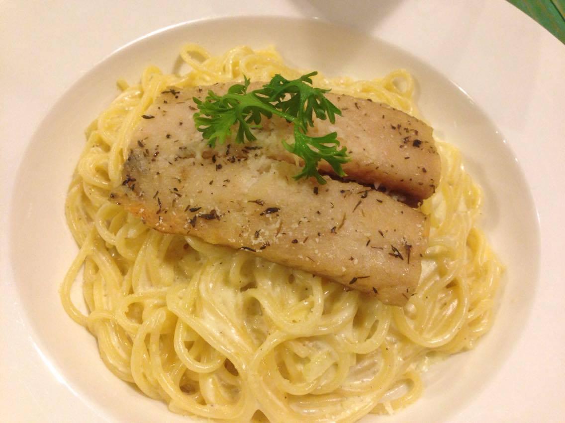 Aglio Olio Salmon Spaghetti