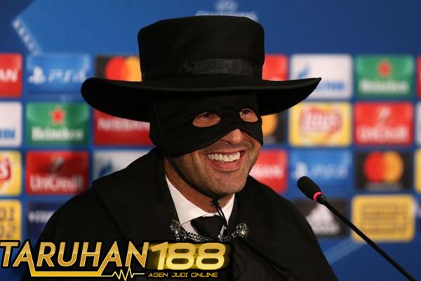 Fonseca Penuhi Janjinya Gunakan Kostum Zorro Jika Shakhtar Menang