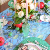 Set a Bold Christmas Tablescape in Pink & Green