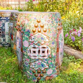 Vintage Chinese export Rose Medallion garden stool - Chrysanthemum garden