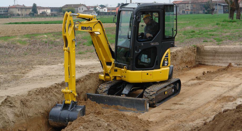 Mengenal Alat Berat Compact Excavator