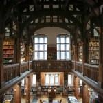Tiru Dekorasi Hotel-Library Ini untuk Interior Apartemenmu!