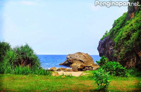 Pantai Kesirat - jogjaempatroda.blogspot.co.id