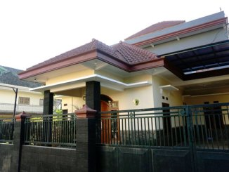 Riz Homestay Batu (sumber: booking.com)