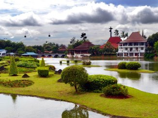 Taman Mini Indonesia Indah (sumber: traveltodayindonesia.com)