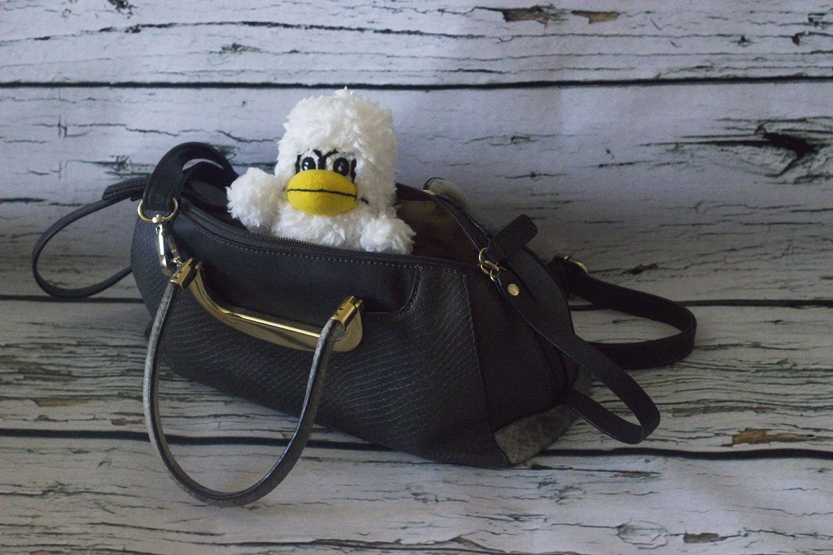 A purse penguin